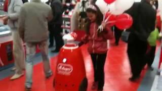 Роботы в торговом зале М.Видео(, 2011-09-05T09:56:37.000Z)