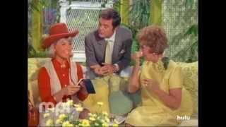 The Doris Day Show: Doris Cuts Costs thumbnail