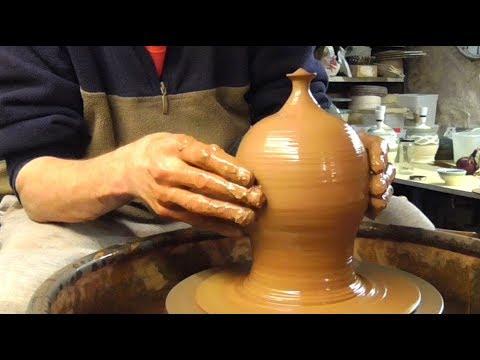 Making / Throwing a Pottery Terramundi on the Wheel