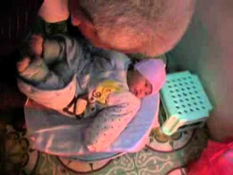 Con gai yeu kiem tra can nang 13-2-2012 (1).mp4
