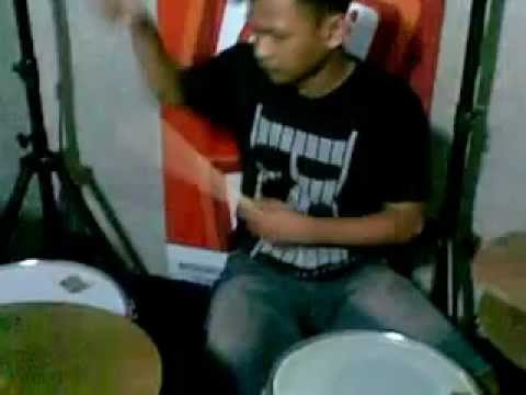 Freedom fighter REGGAE KEBUMEN  - punk rock show ( Latihan ).mp4