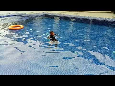 Jess Mayamo Swimming
