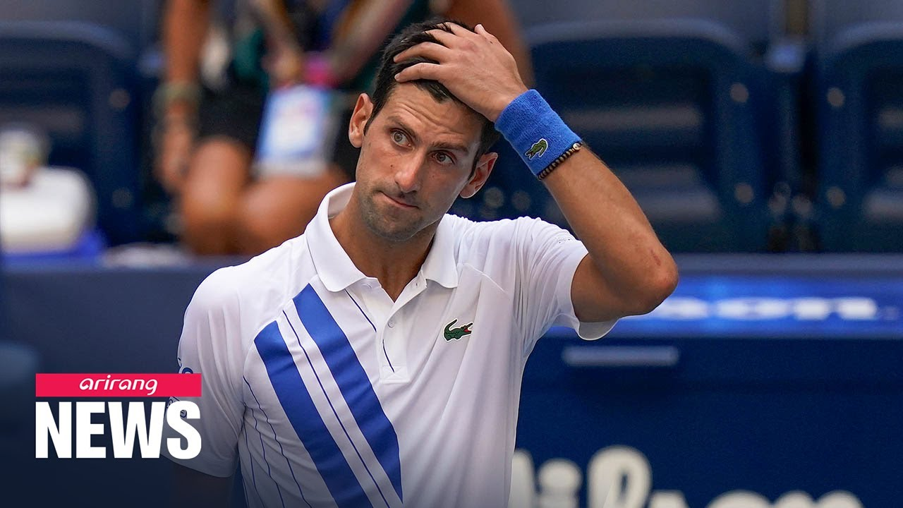 Novak Djokovic Disqualified From U S Open For Hitting Line Judge With Ball Youtube