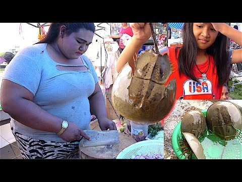 Alive Horseshoe Crab Egg Making Fresh Salad | Street Food with TANYONG