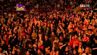 Repeat youtube video 2NE1 K-pop Super Concert in America