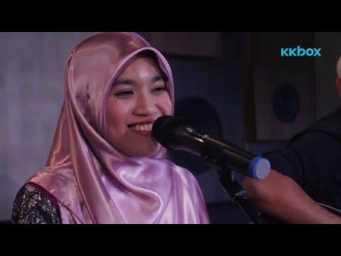 Ainan Tasneem   Aku Suka Dia Versi Akustik (Sesi Live KKBOX)