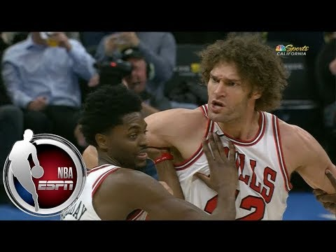 Robin Lopez held back by Bulls teammates after getting ejected vs. Kings   ESPN