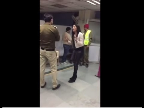 Drunk Delhi Girl ||  Full on Drama with Delhi Police ||