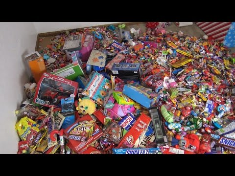 NEW!!! A LOT OF CANDY AND PRESENTS 2017