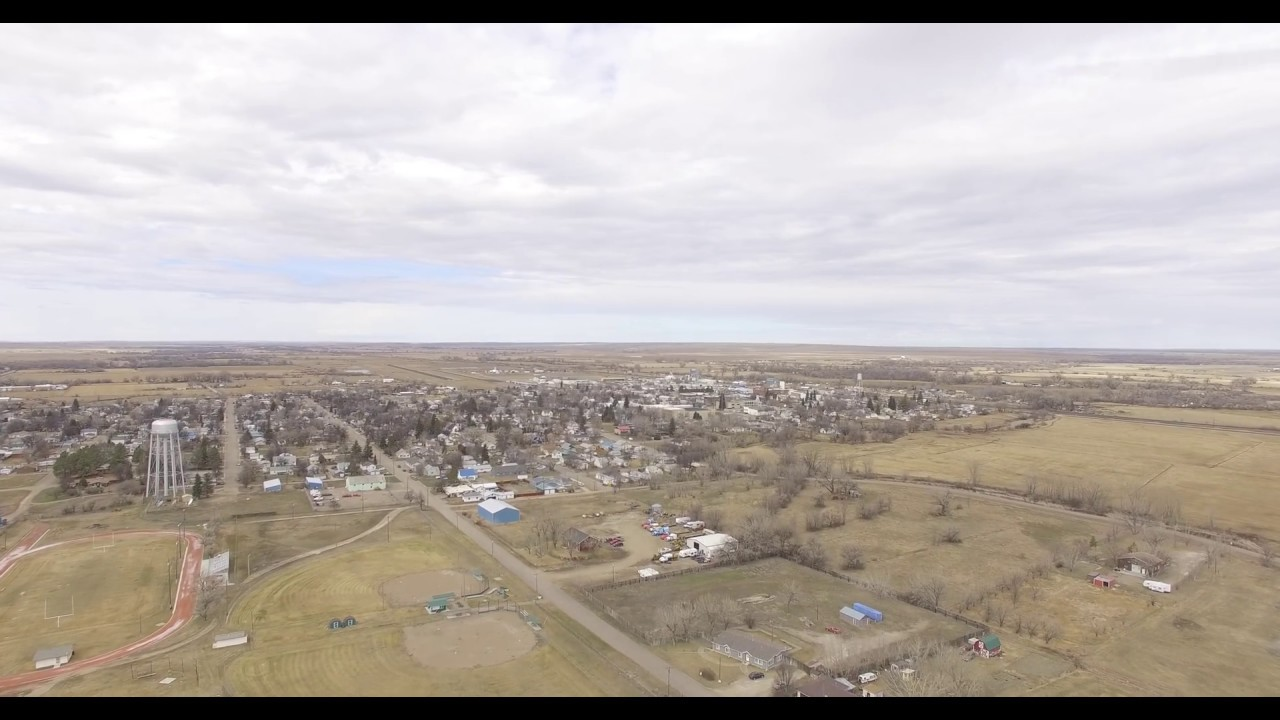 Dji Phantom 3 Drone >> Chinook ,MT from the SE Drone-March 2017 - YouTube