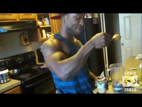 muscle-building-protein-smoothie-by-chris-jones-of-physiques-of-greatness