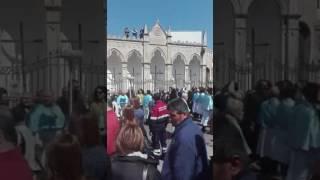 La Madonna di Sovereto esce dalla chiesa della Stella