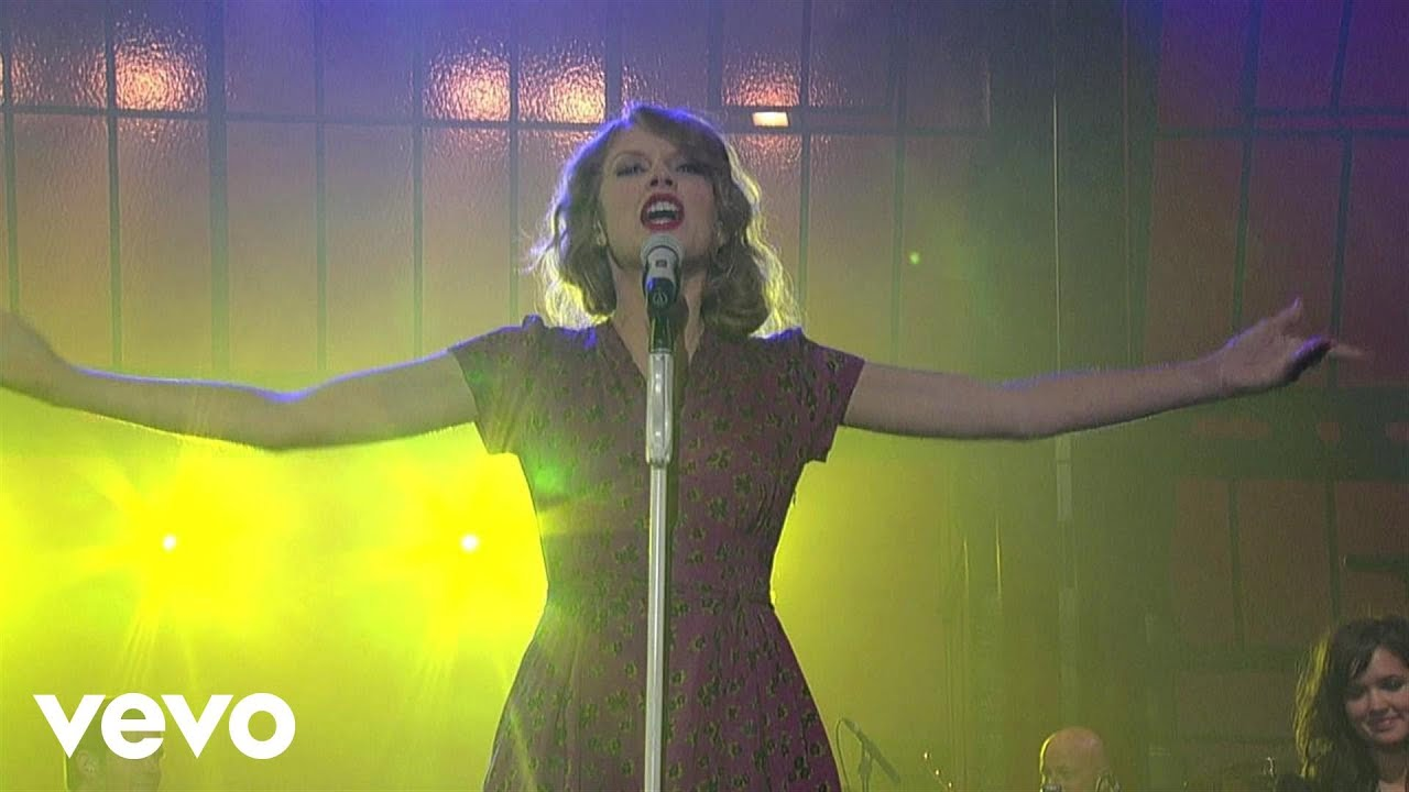 Download Taylor Swift - You Belong With Me (Live on Letterman)