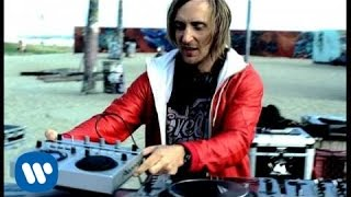 David Guetta Feat. Kelly Rowland - When Love Takes Over (Official Video) thumbnail