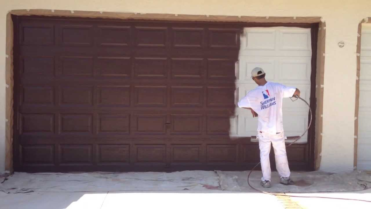 Garage door spray painting youtube for How to spray paint doors