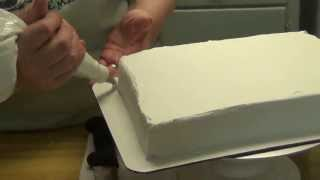 Icing a Quarter Sheet Cake with an Easy Icer and adding two borders!