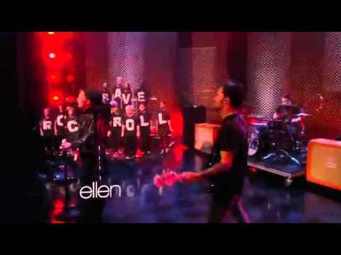 Fall Out Boy - Alone Together (at The Ellen Show)