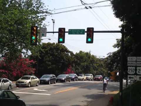 Intersection with bimodal right arrow (side street) and bimodal left arrow (main street)