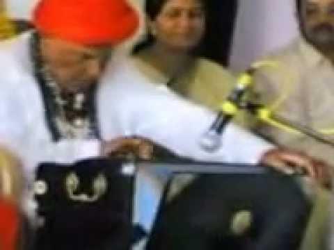 Sri Puttraja gawai'ji  playing harmonium , a rare video