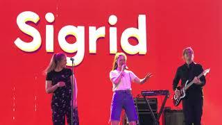 Sigrid - Go To War - Live At Coachella 2018 - Week