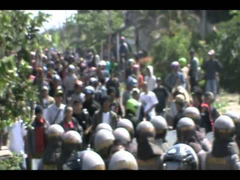 Bali vs Lampung -- Blokade Polisi