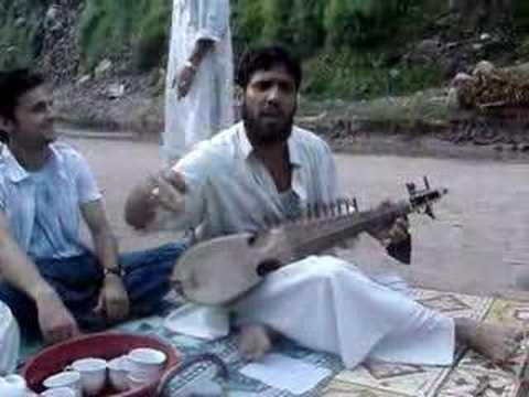 Ik Bar Chalay Aao - Street music near Kawai, Kaghan Valley