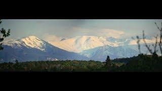 Заснеженные вершины кавказского хребта