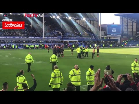 Everton 2-5 Arsenal | Jack Wilshere Gives A Pitch Invader His Shirt!