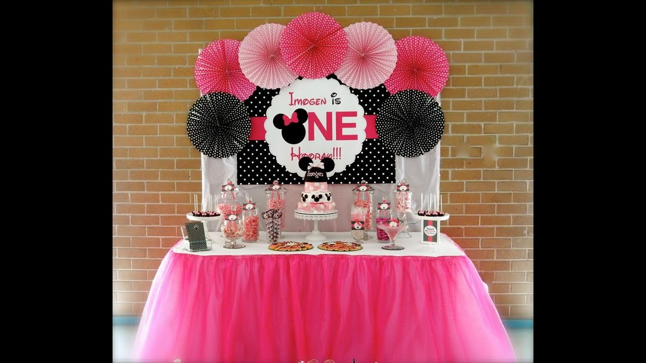 Minnie mouse first birthday party via little wish parties for B day party decoration