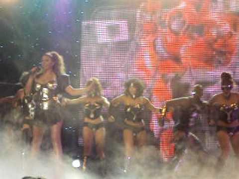 Elena Paparizou Live @ Mad VMA 2010 Dancing without music
