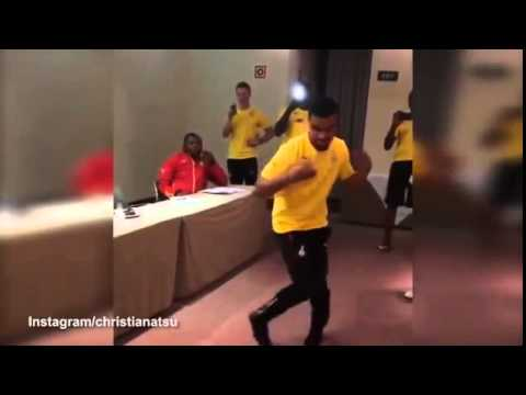 Black Star's Kwesi Appiah - Dances to 'Mi Yadaw' @ Africa Cup of Nations 2015