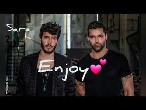 Sebastián yatra, Ricky Martin - Falta Amor (English translation) lyrics on screen