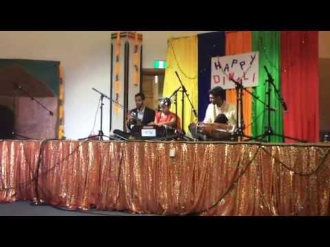 Muskaan R Kumar singing Mele Hai Chirago Ke