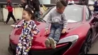 Chuyện Khó Tin_Cha chi tiền tỷ mua xe hơi hạng sang cho con trai 4 tuổi làm đồ chơi gây tranh cãi