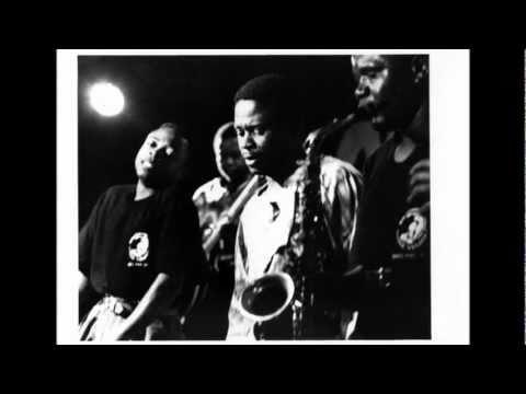 Tolinga Virunga-Samba Mapangala & Orchestra Virunga