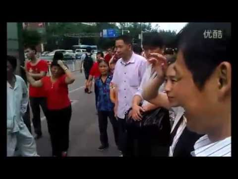 广州流浪艺人阿龙(Chinese Street Performer Alon)- 《梦醒时分》《 冰吻》
