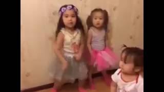 дети зажигают! дети танцуют! КЛАСС!!!