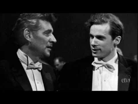 Brahms: Piano Concerto No. 1 - Gould/Bernstein - Bernstein's Speech included