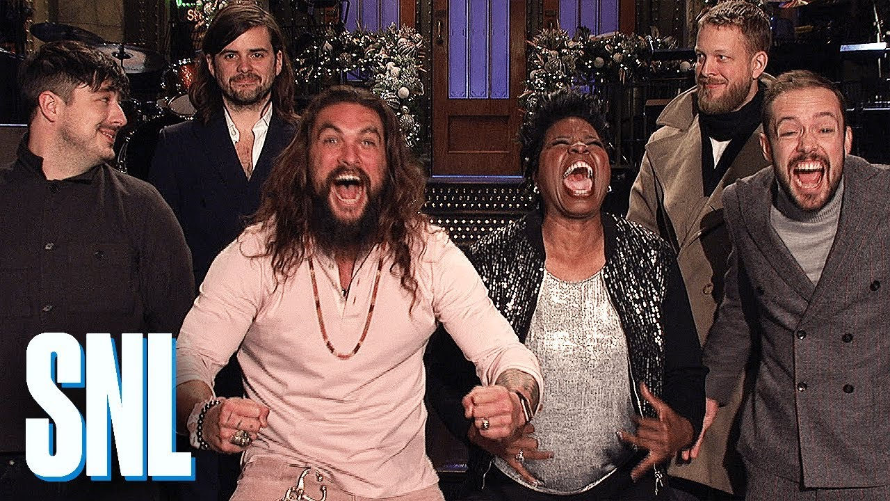 Christmas Miracle Snl.Saturday Night Live Highlights Holiday High Jinks With