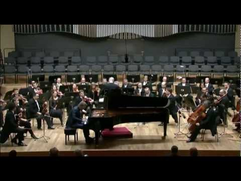 Andrew von Oeyen plays Mozart Piano Concerto No. 22 in E-flat Major, K. 482, Mvt III
