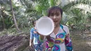 Bẻ Dừa Làm Mứt Bến Tre - Hương vị đồng quê