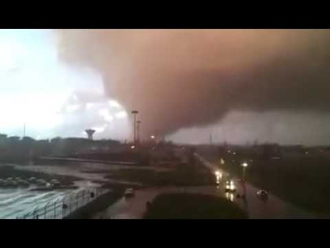 Tornado Rome, Italy - Dead and wounded have been reported