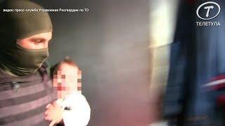 В Туле отец взял в заложники 1,5-годовалую дочку