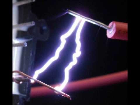 High Voltage FlyBack v1 (MJE13007 or MJE13009). 24V iont flash