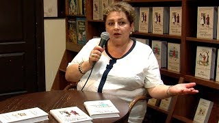 Мария Метлицкая в кафе книжного магазина Polaris