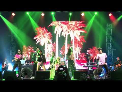 Mash up Senorita & Crazy In Love (Isyana, GAC, Fatin, Jaz, TheOvertunes) at WTF17