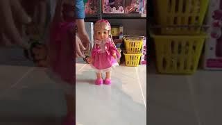 Şarkı söyleyen oyuncak bebek