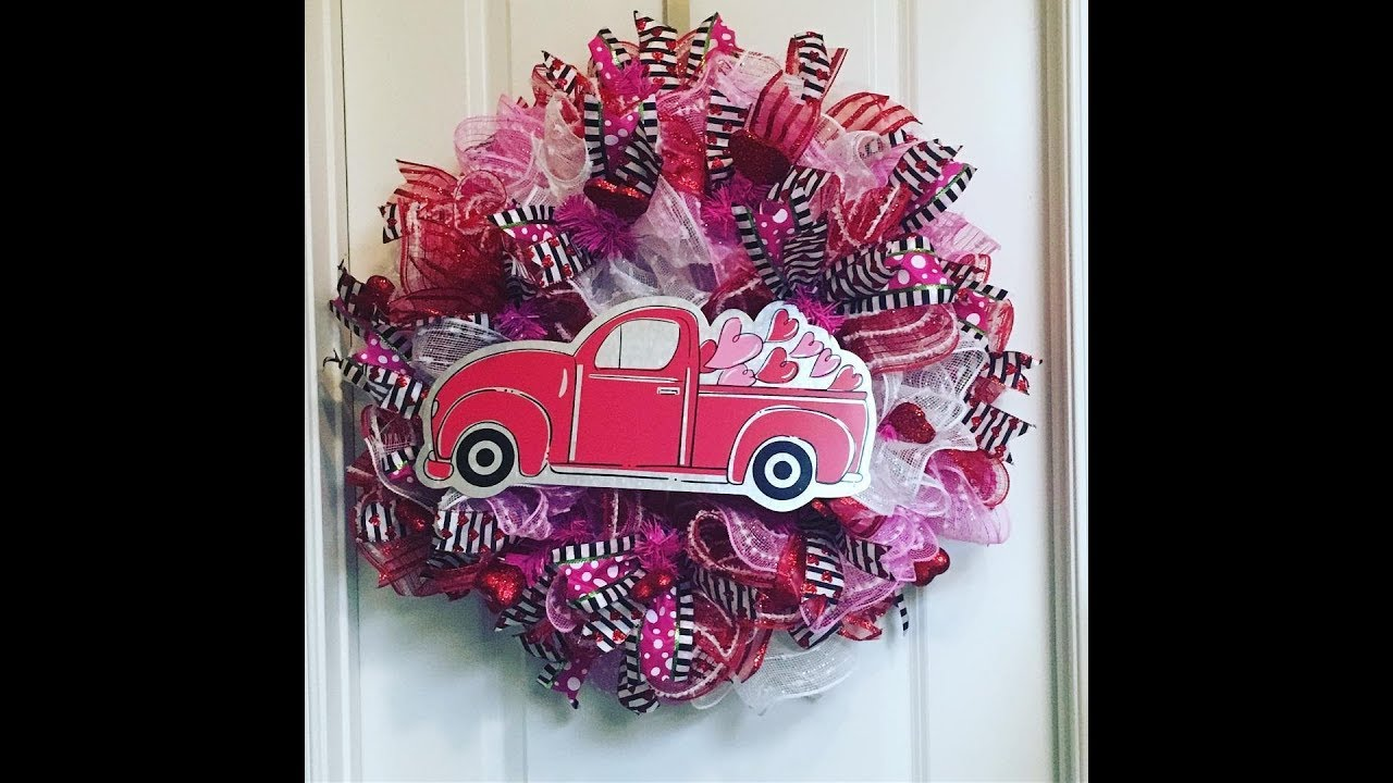 How To Make A Deco Mesh Valentines Wreath With 3 Colors