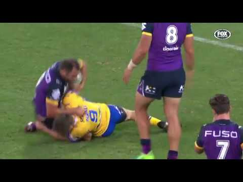 Cameron Smith lashes out with elbow