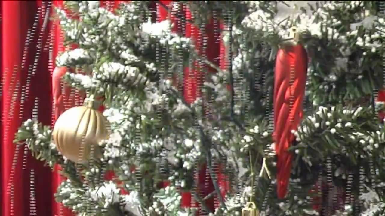 schneiender weihnachtsbaum snowing x mas tree gr n. Black Bedroom Furniture Sets. Home Design Ideas